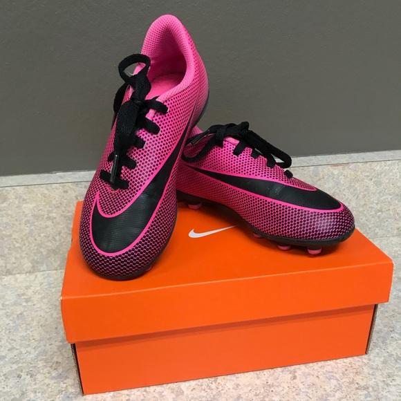 12 Gebruikt Voetbalplaatjes Zachtjes Kleuter Poshmark Meisjesmaat Nike schoenen Y6tqRR